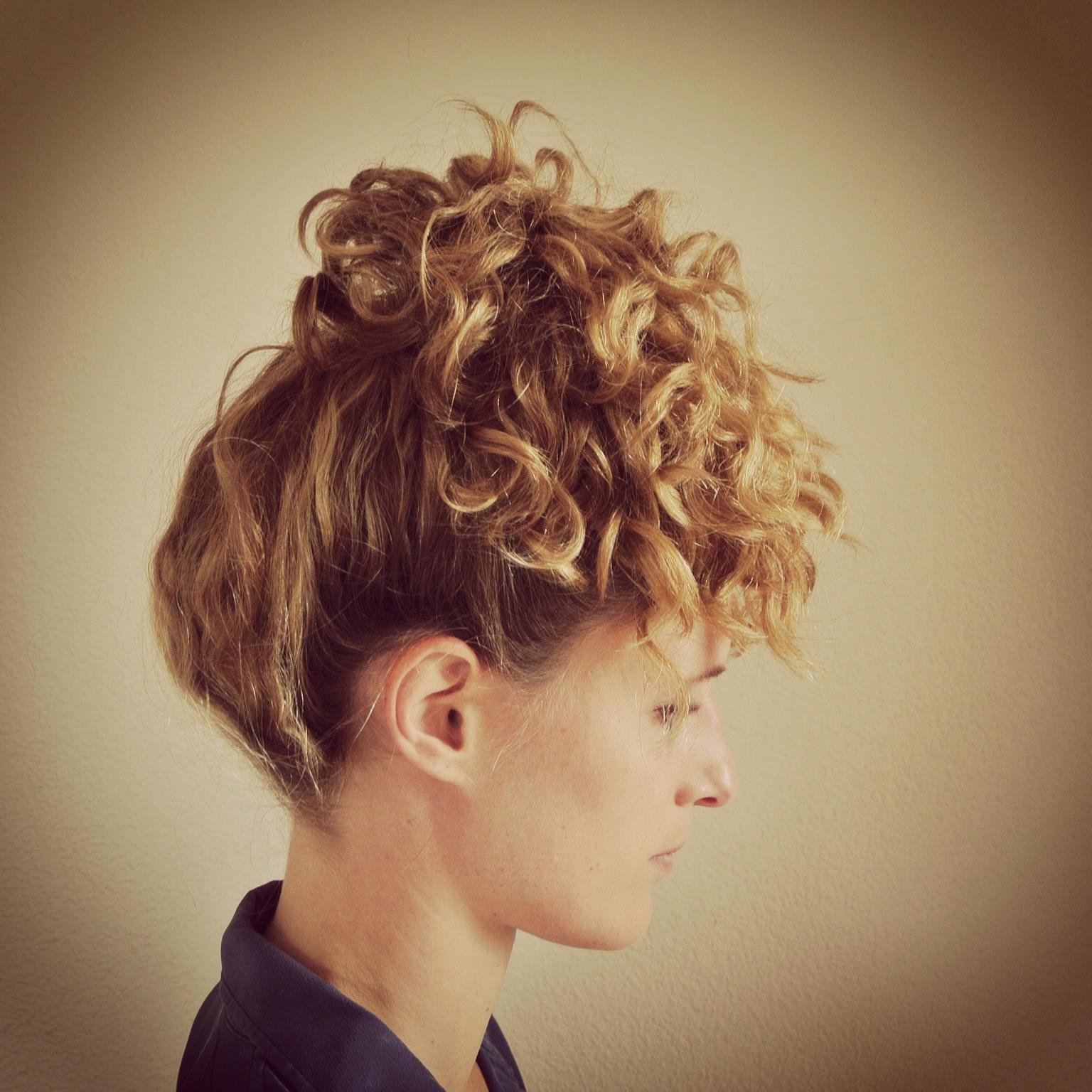 washing curly hair