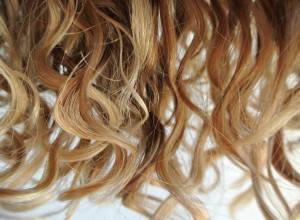 How to avoid common mistakes hairdressers make when handling curly hair