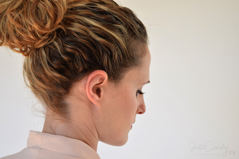 The 1 Minute Messy Bun Tutorial Justcurly