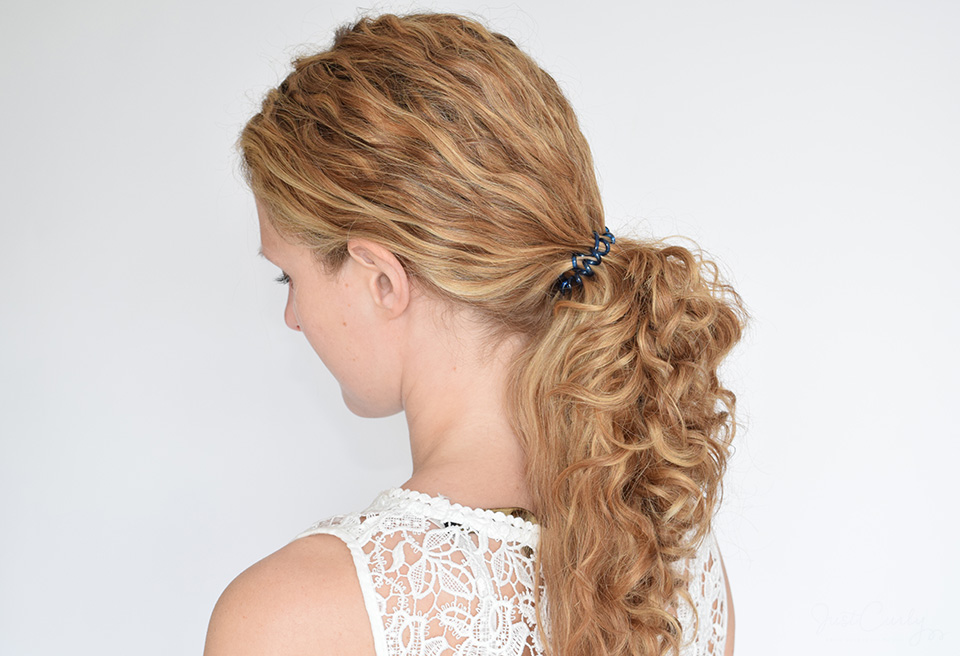 Using phone cord hair ties in curly hair - JustCurly.com c96e469cc22