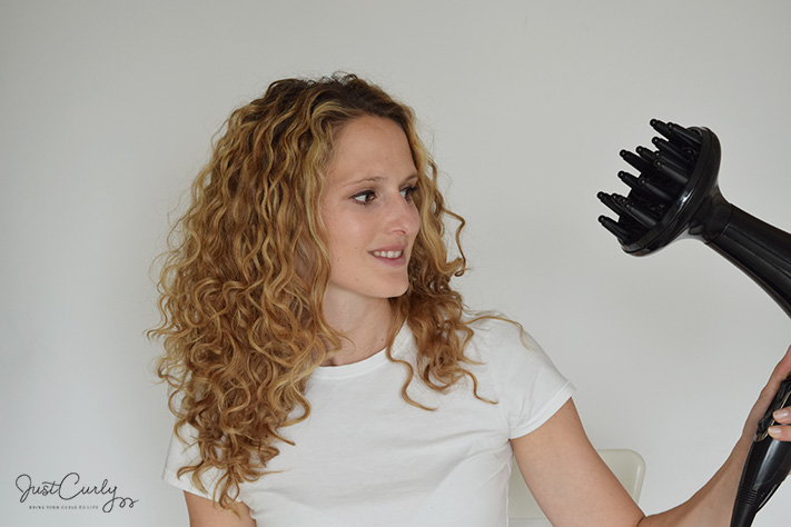 How To Blow Dry Curly Hair Using A Diffuser Justcurly Com
