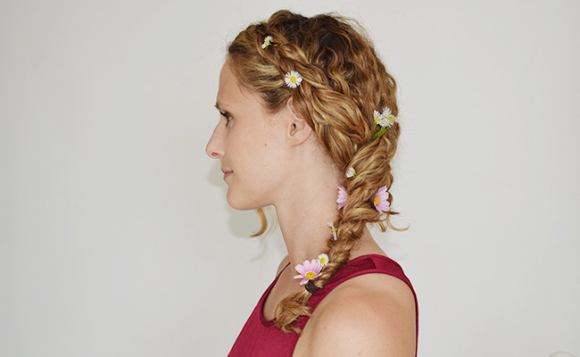 festival hairstyle for curly hair