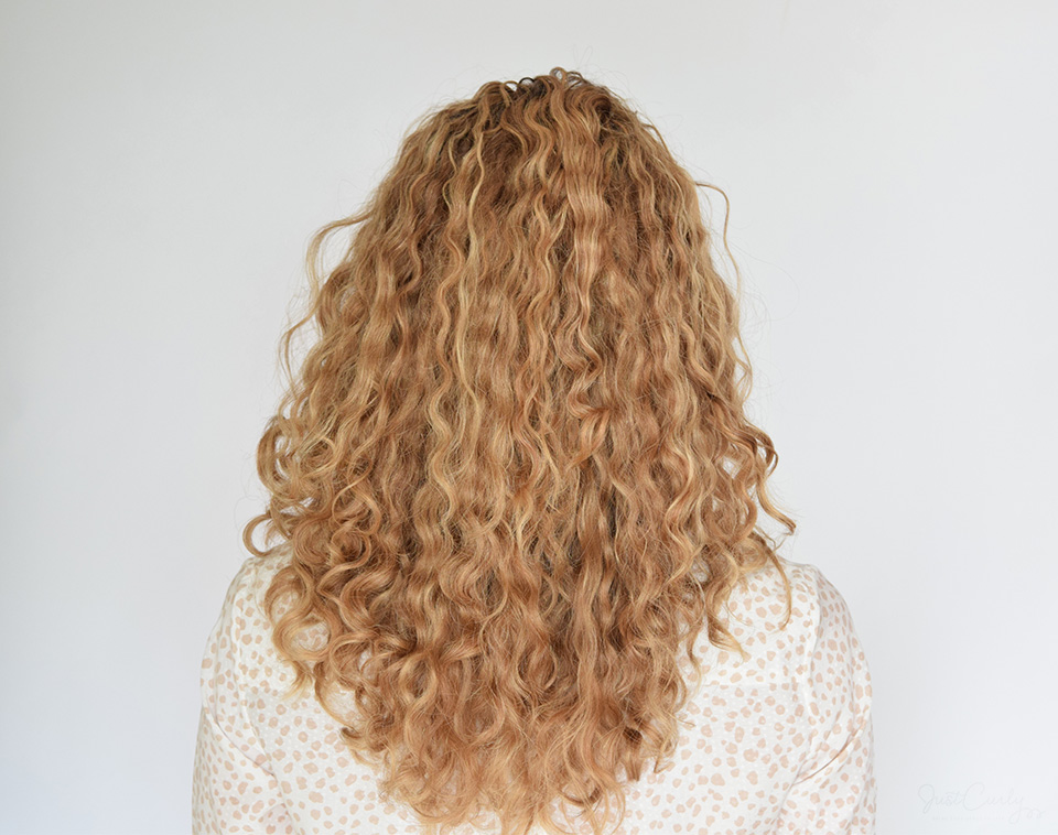 Read through the following tips to start embracing your natural curl pattern