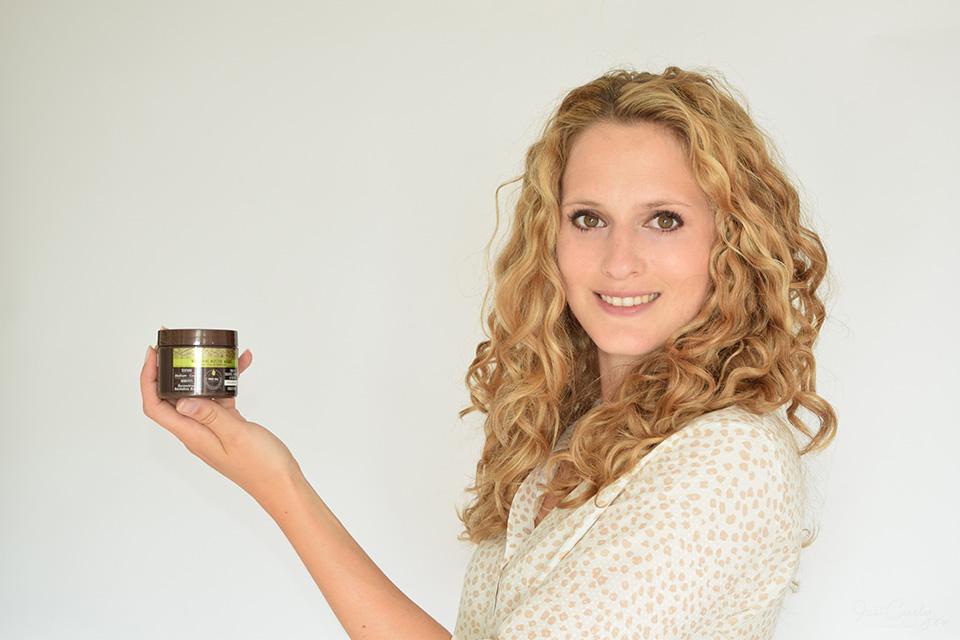 Macadamia Nourishing Moisture Masque Review