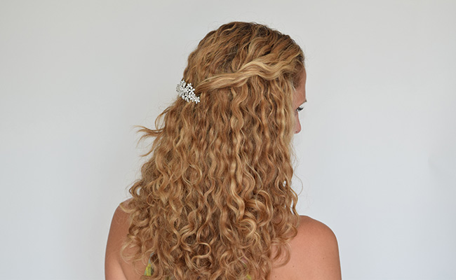 3 gorgeous bridesmaid hairstyles for curly hair