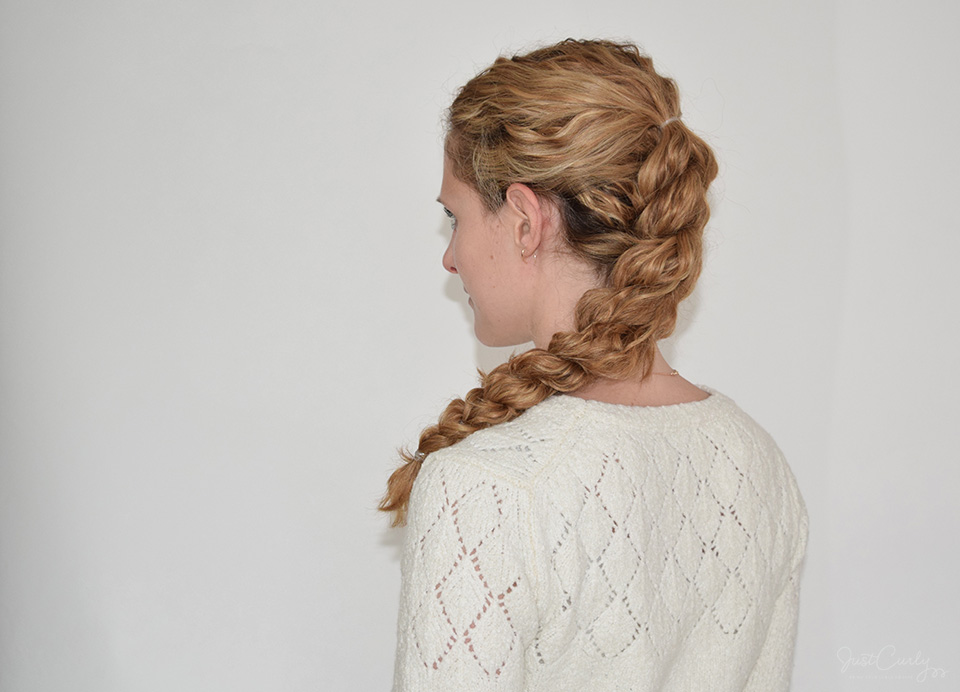 Der perfekte Pull Through Braid für Locken