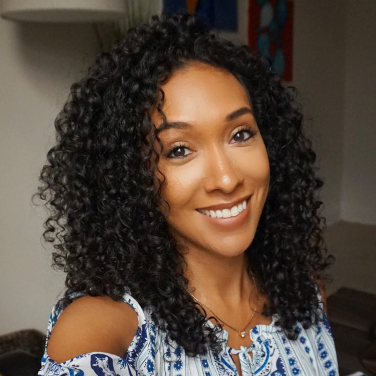 Meet Rocio and learn how she came to like her curly hair